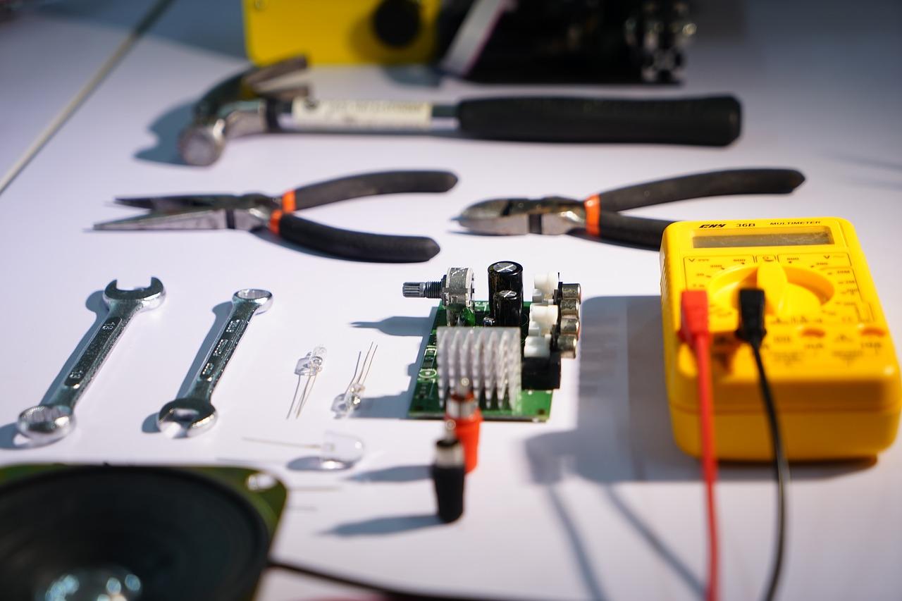 Les étapes pour changer une prise électrique